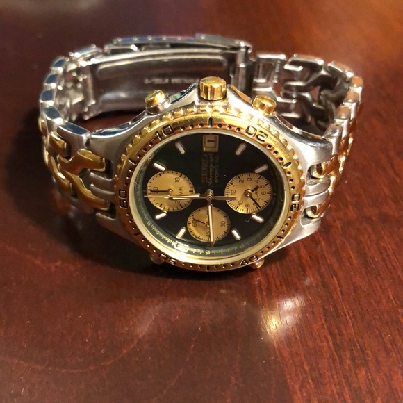 8098a598733a Seiko Chronograph Sports 100 Gold Stainless. M 5c4fc96f1b32943937603de4.  Other Accessories ...